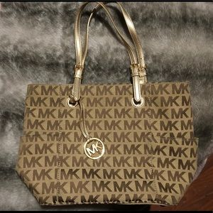 Michael Kors Jet Set Monogram Tote